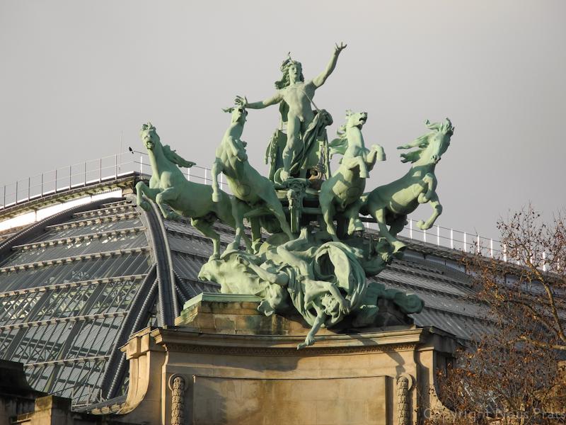 Una de las cuadrigas del artista Récipon en el Grand Palais