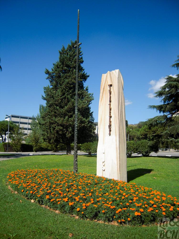 Monument a Pius XII. Congrès Eucarístic Internacional de 1952
