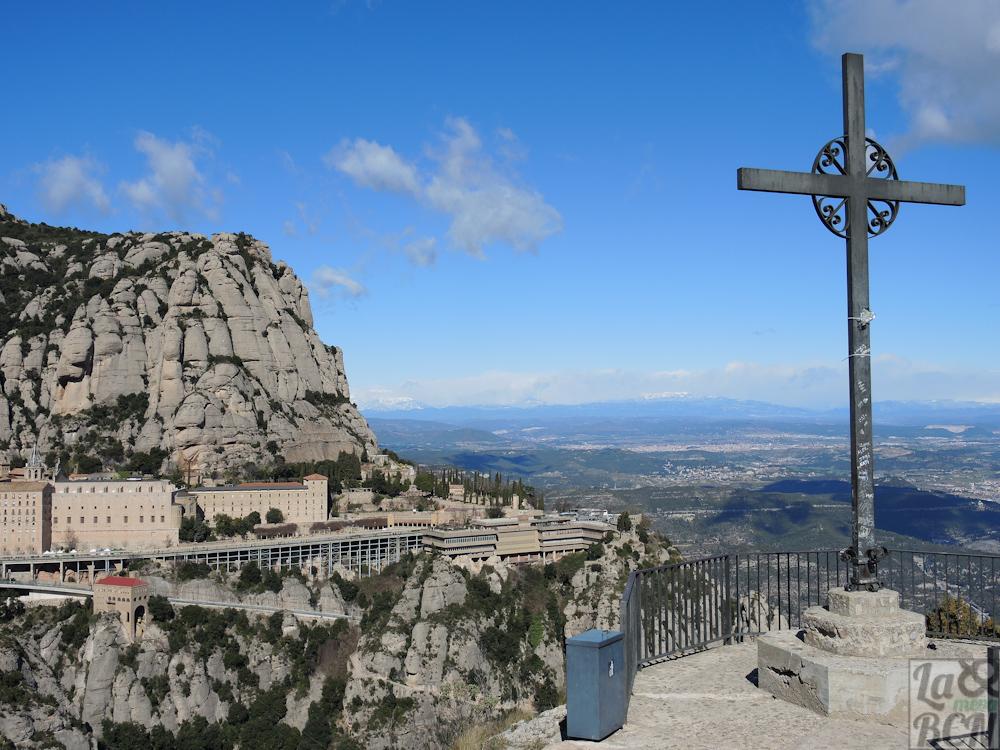 Vista del monasterio desde la Creu de Sant Miquel