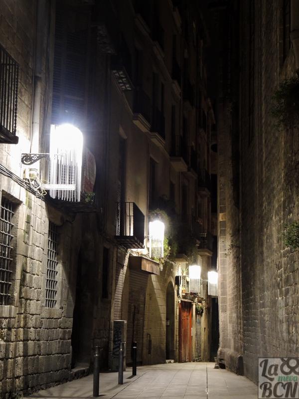 Siguiendo las luces decoradas es fácil seguir el itinerario