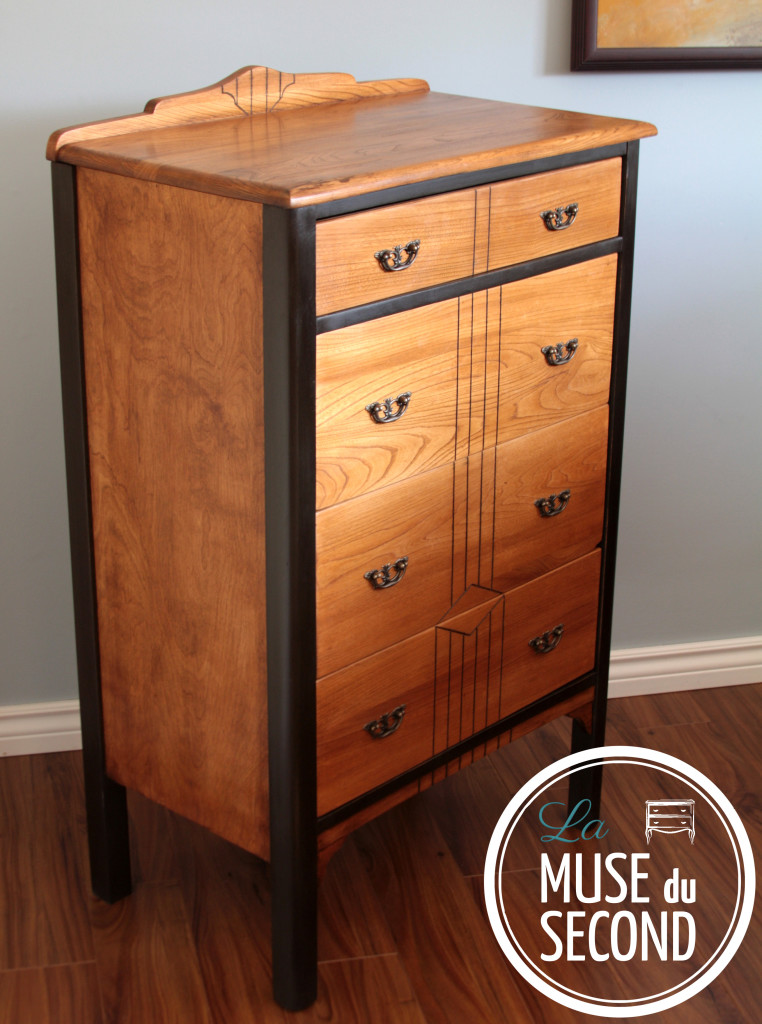 Sabler Un Meuble Commode En Bois Antique - La Muse Du Second