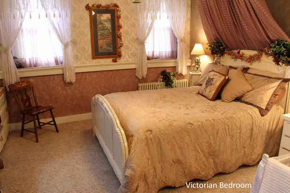 Lancaster pa bed and breakfast iron stone acres for Victorian bedrooms images