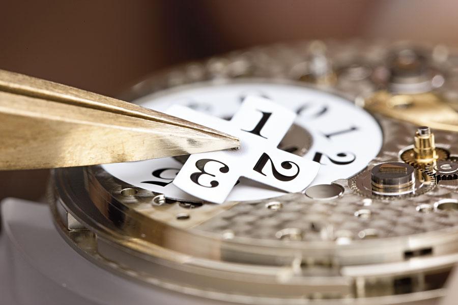 Marktuebersicht_Uhren_mit_Grossdatum_Montage