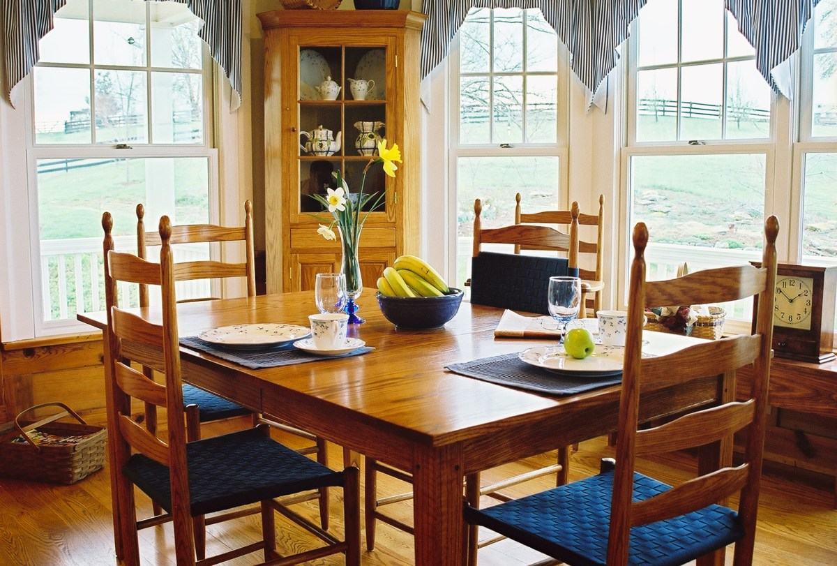Shaker style dining