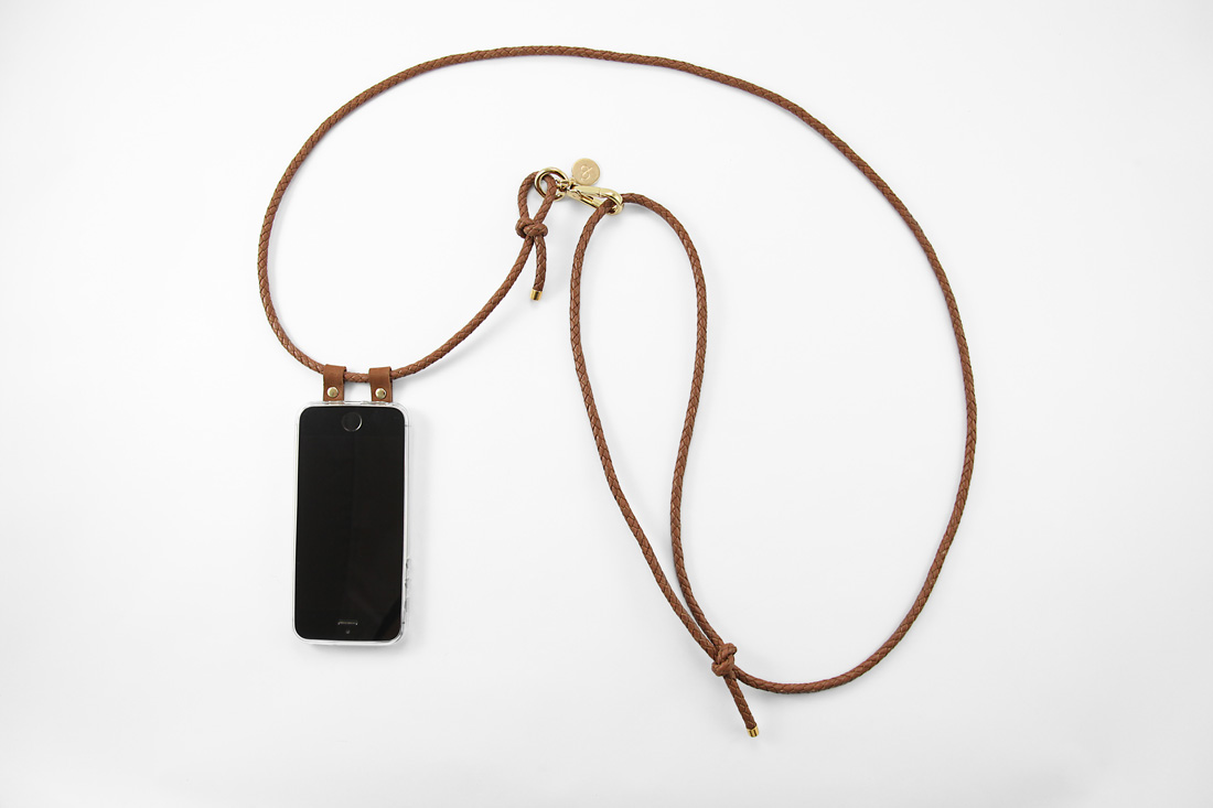 Cognac Leder Crossbody Iphone Case With Leather Cord Cognac