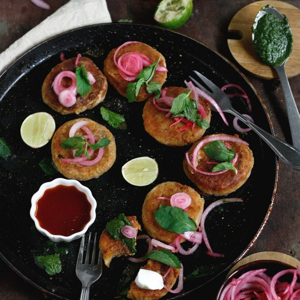 Dahi(yogurt) kebab are made of hung curd filled with a cheese and paneer mix, that's melt in your mouth delicious and takes just 30 mins to make.Bonus:Pan fried!