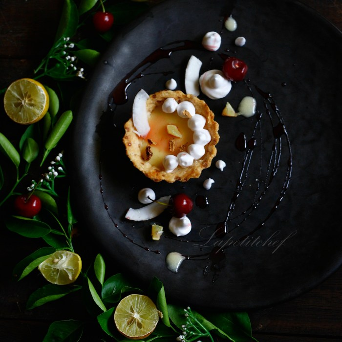 Lemon cream tart with oolong creme fraiche