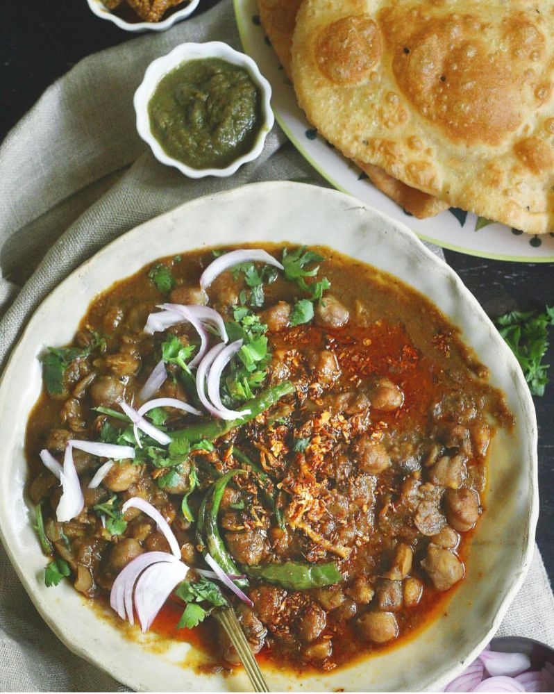 pindi chole or spicy chickpea curry