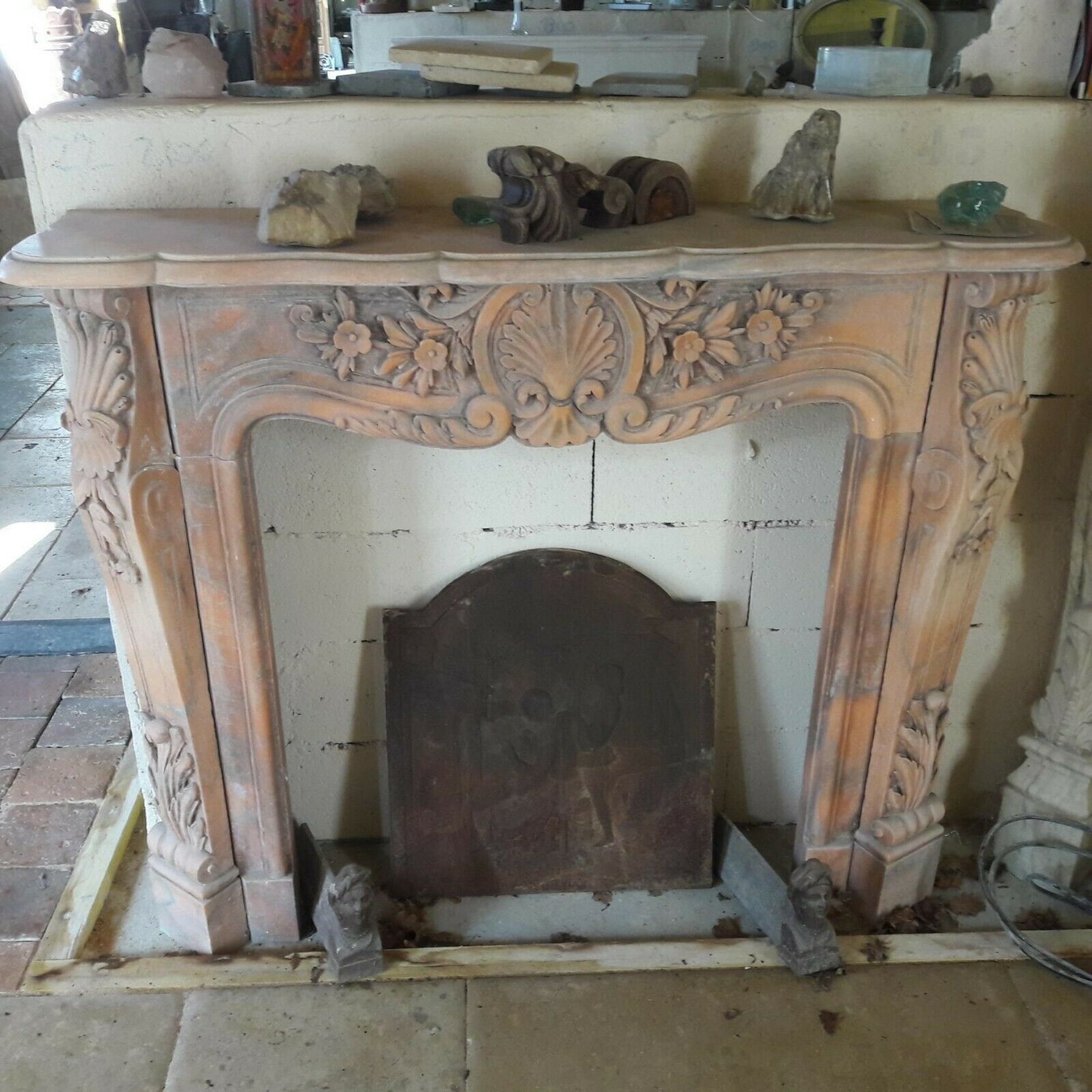 Cheminée Style Empire Fireplace In Rosy Marble Empire Style Ornamented Richly In The Lintel And Jambs Curved Jambs La Pierre De Jadis