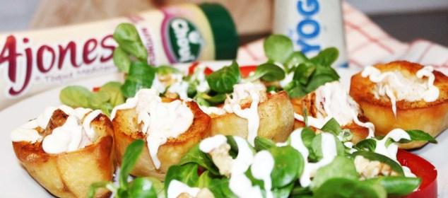 Patatas rellenas de pollo con salsa Ajonesa de Chovi
