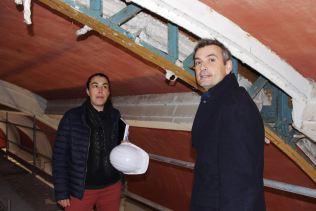 La chef de projet du chantier, l'architecte Noémie Gaineau au côté du maire Franck Perry.