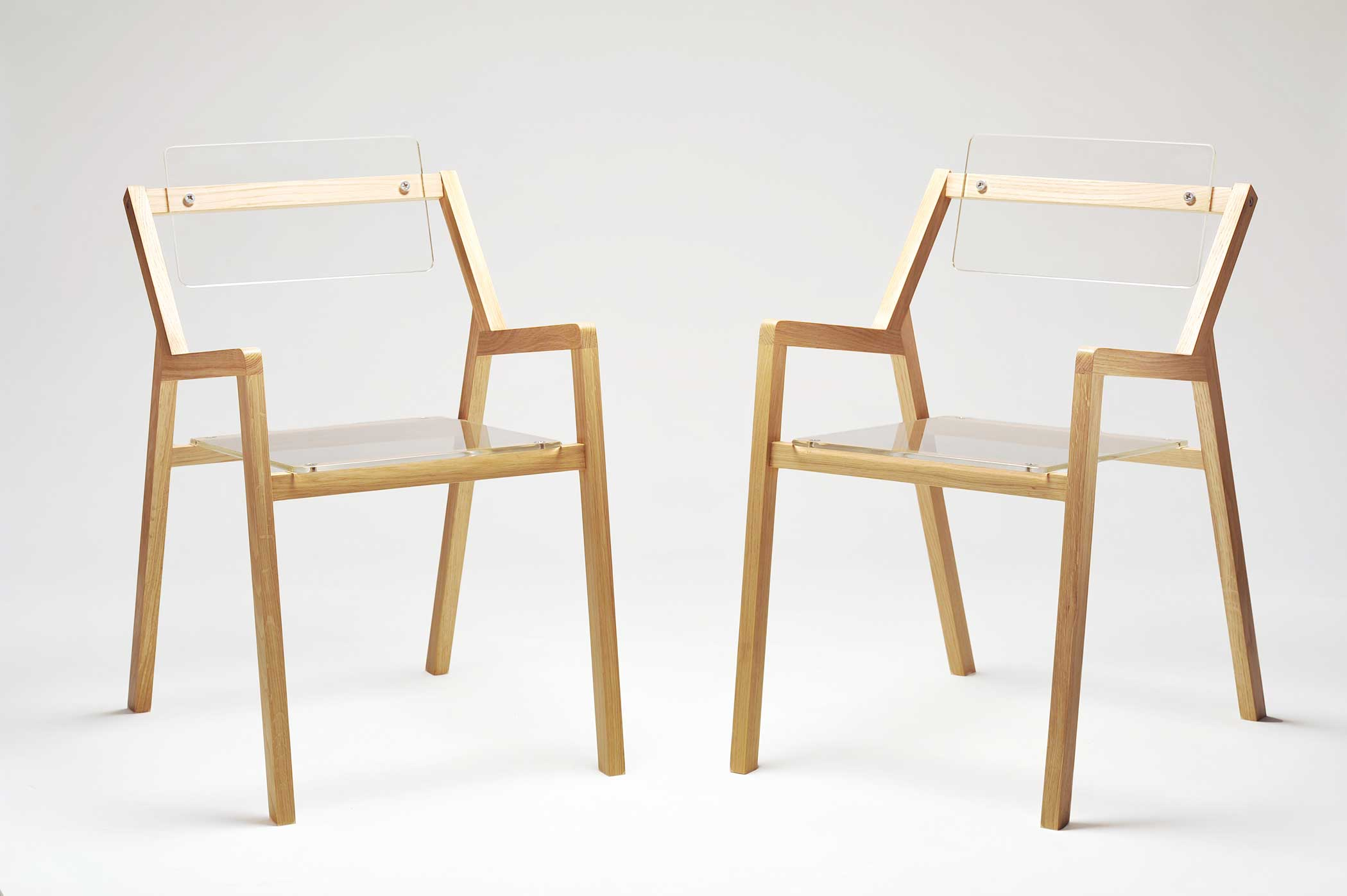 Restaurare sedia imbottita tappezzeria graffietto restauro