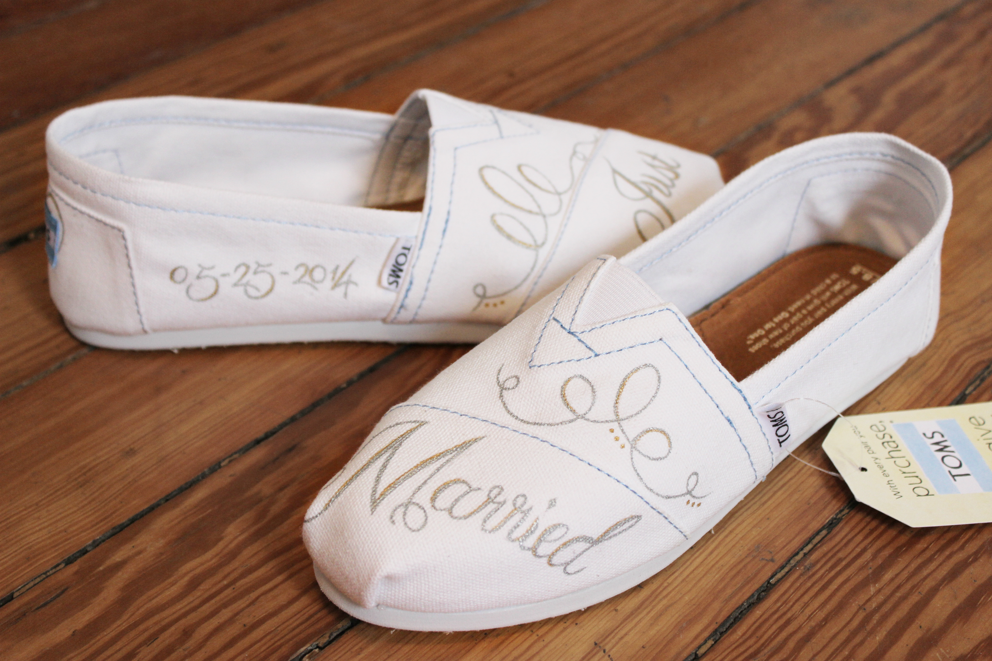 img toms wedding shoes Custom Painted Bridal Shoes
