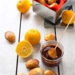 petites madeleines au citron bergamotte sauce chocolat