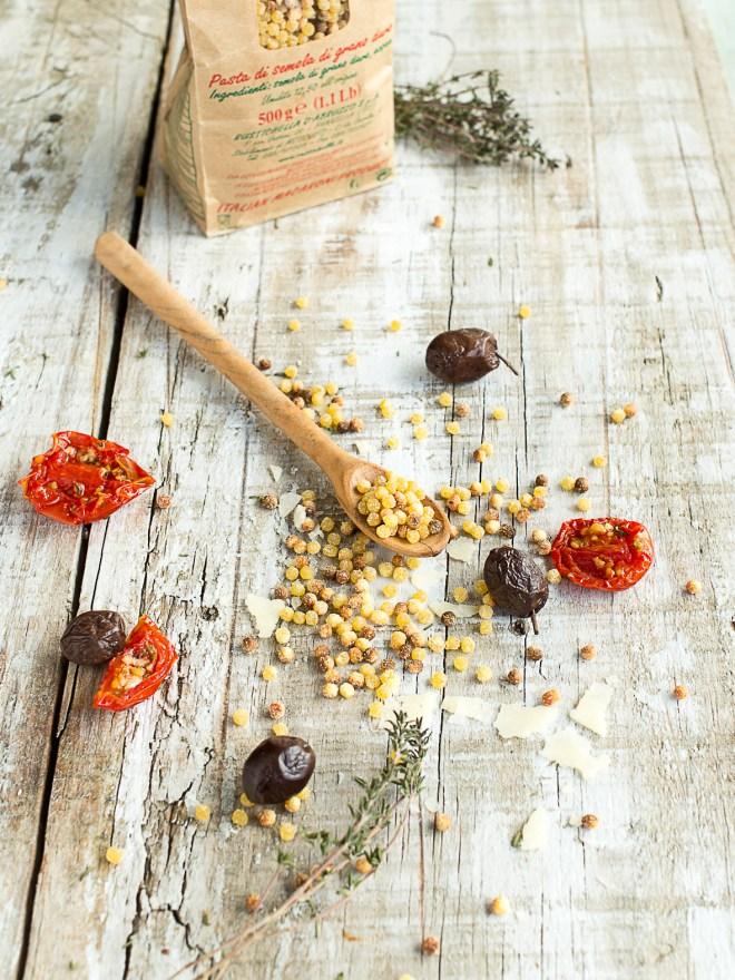 risotto fregola sarda olives noires et tomates confites