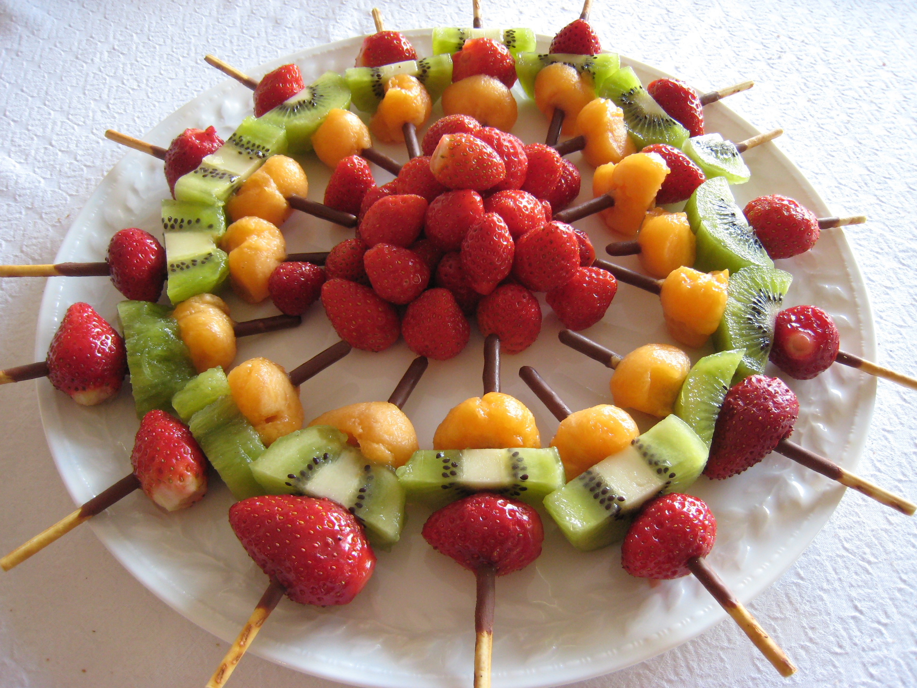 Fruit De Decoration Pour Gateau 16 Idées De Brochettes De Fruits Originales
