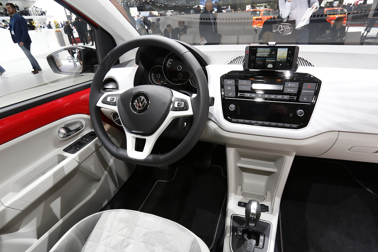 Interieur Vw Up Vw Up Interieur New Volkswagen Tiguan Review Carwow