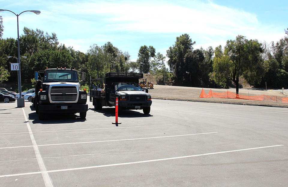 Saddleback's temporary dirt parking lots, with the exception of Staff parking lot 9A, will be closed for maintenance. Maintenance is expected to last for a one week. If maintenance is completed on schedule it will reopen on Monday, October 13.