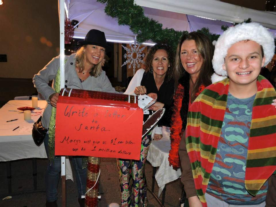 Merchants and locals strolled through Avenida Del Mar Saturday night to help support small business. (Downtown Business Assocaition/ file photo)
