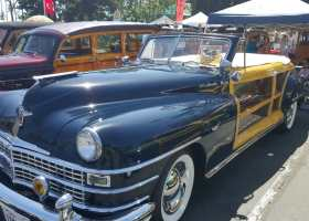 This Town and Country Woodie car had a paint job that sparkled in the sunlight. (Angel Grady/Lariat)