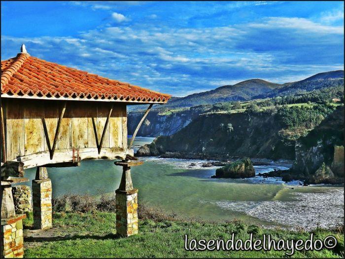 Hórrreo en Cadavedo ( Asturias )