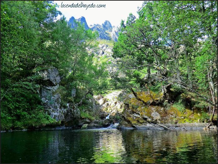 En las profundidades de Entrevados se encuentra uno de los ríos más bellos de León