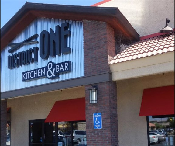 Tivoli Village Bars Las Vegas Join The Happy Hour At District One Kitchen & Bar In Las
