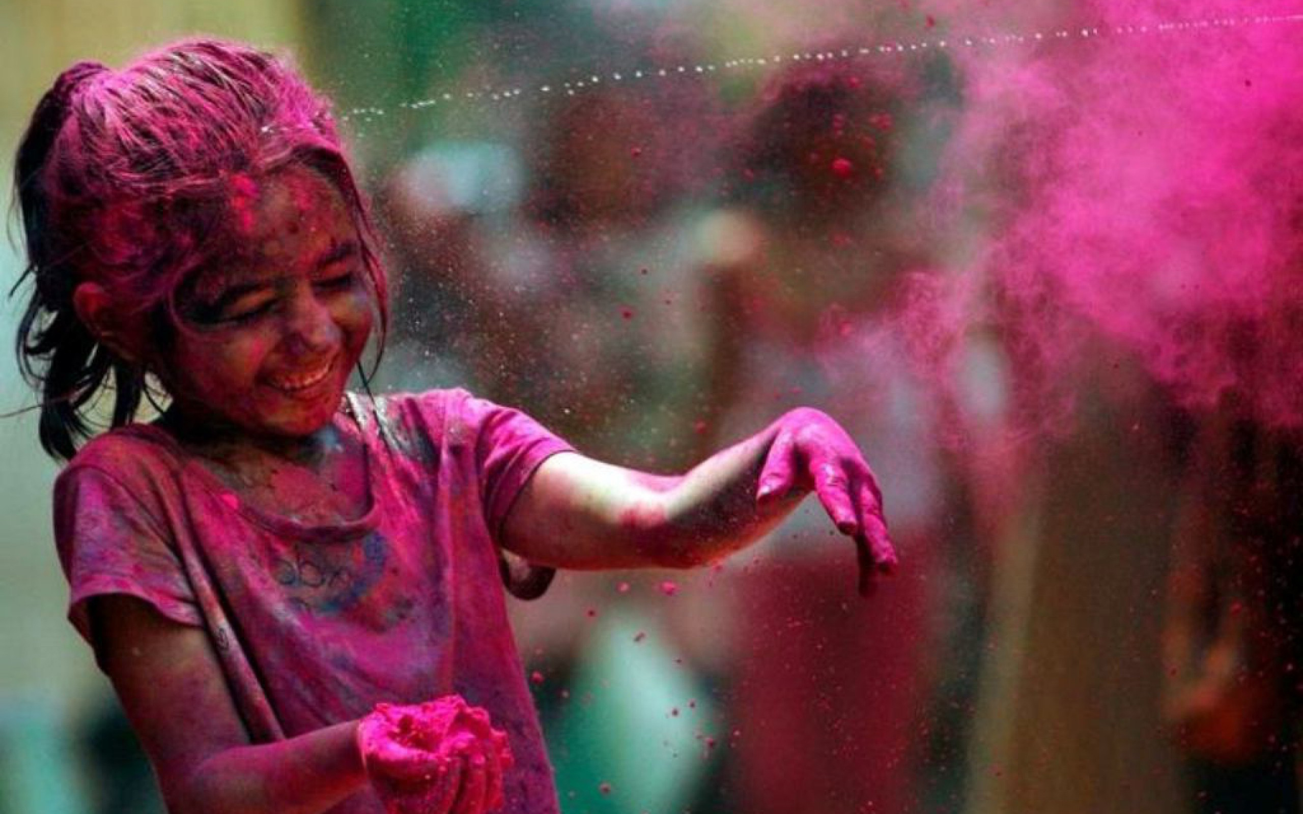 3d Holi Wallpapers Free Download Download Best Cute Child Plying Holi Hd Wallpaper