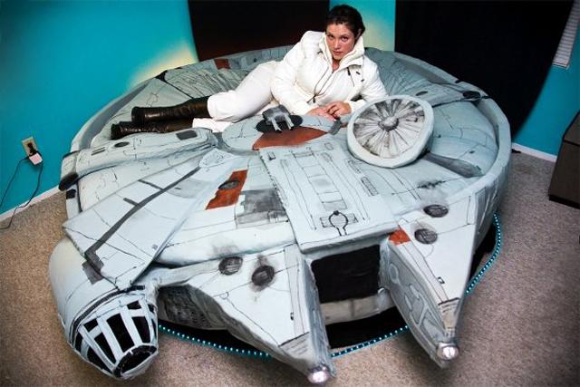 Millennium Falcon Bed