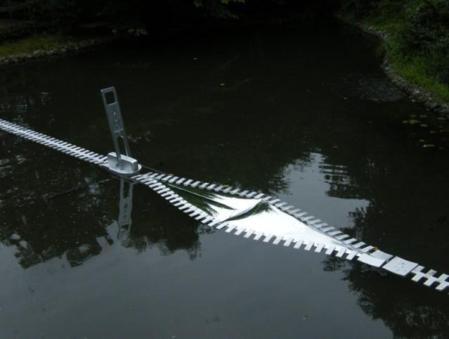 Zipper installations by Jun Kitagawa