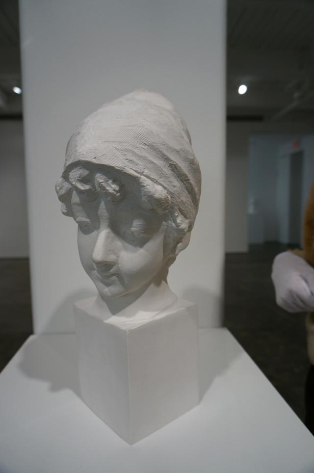 Stretchable Paper Sculptures by Li Hongbo