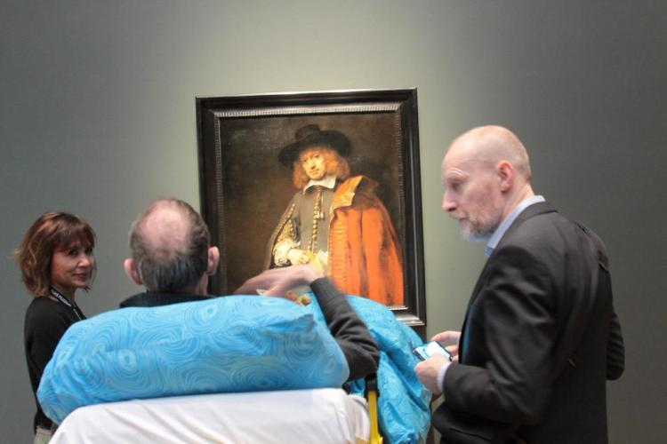 Ambulance Takes Woman to Art Museum for Last Visit