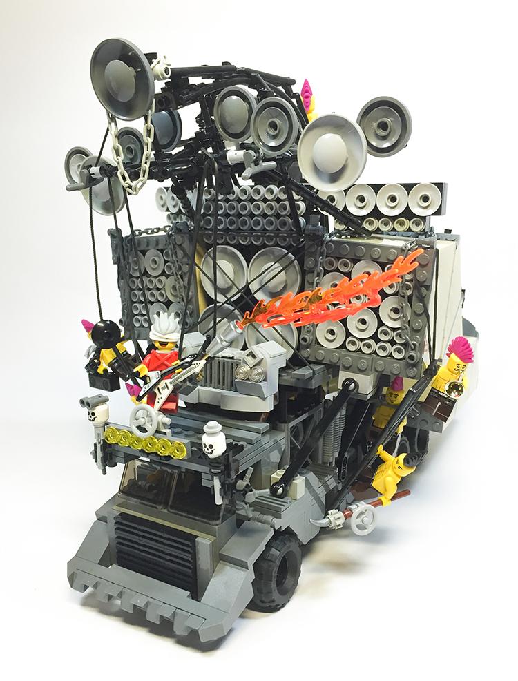 LEGO Earsplitter/Doof Wagon