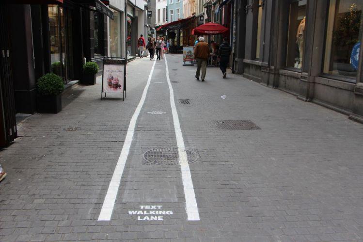 Text Walking Lane 2