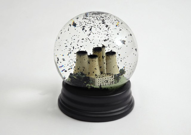 No Globes by Dorothy Collective