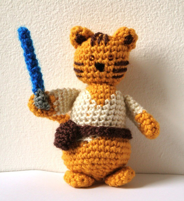 Star Wars Crochet - Jedi Cat - Amigurumi Pattern by Ana Yogui