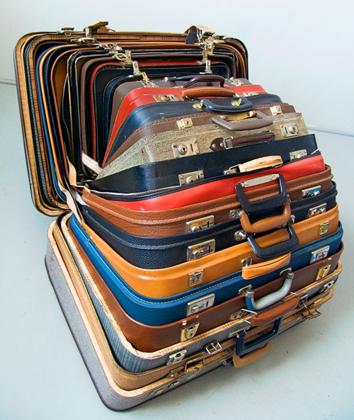Packa Pappas Kappsäck, 2006 (Pack Daddy's Suitcases) by Michael Johansson