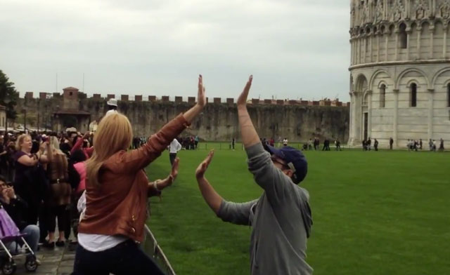 High-five prank at Leaning Tower of Pisa