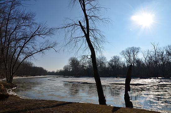 1maumee river winter bridge