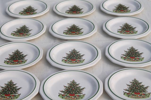 Christmas Heritage Pfaltzgraff Luncheon Plates Set Of 12
