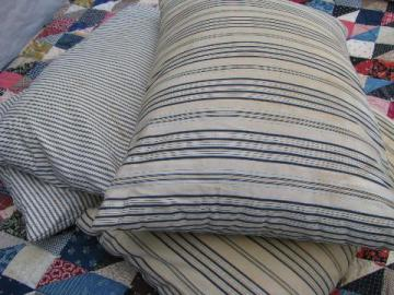 Blankets Bedspreads Quilts Rugs