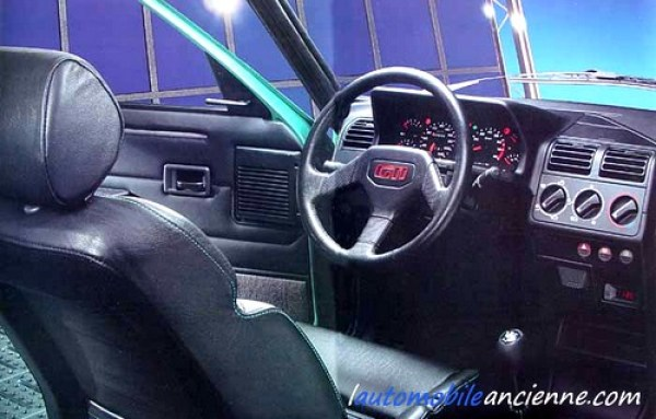 Peugeot 205 gti griffe 1992 l 39 automobile ancienne for Interieur 205 gti