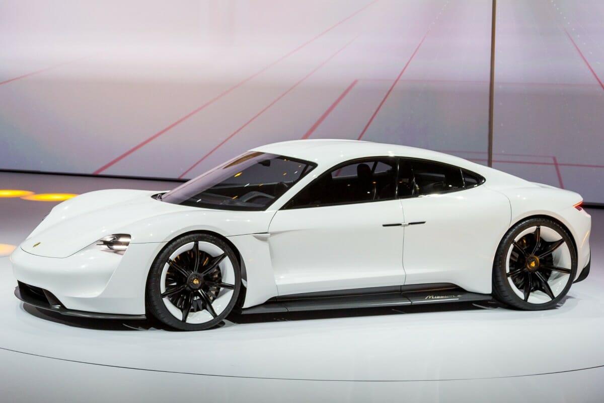 La Porsche Mission E Disponible En Précommande Voiture