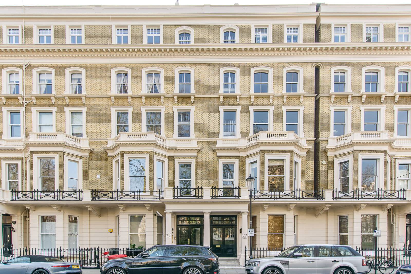 2 Bedroom Garden Flat London 2 Bedroom Flat For Sale In Courtfield Gardens South
