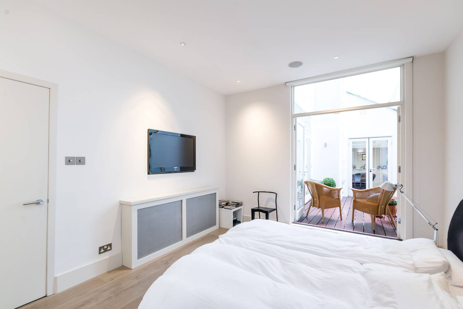 2 Bedroom Garden Flat London 2 Bedroom Flat For Sale In Cornwall Gardens South