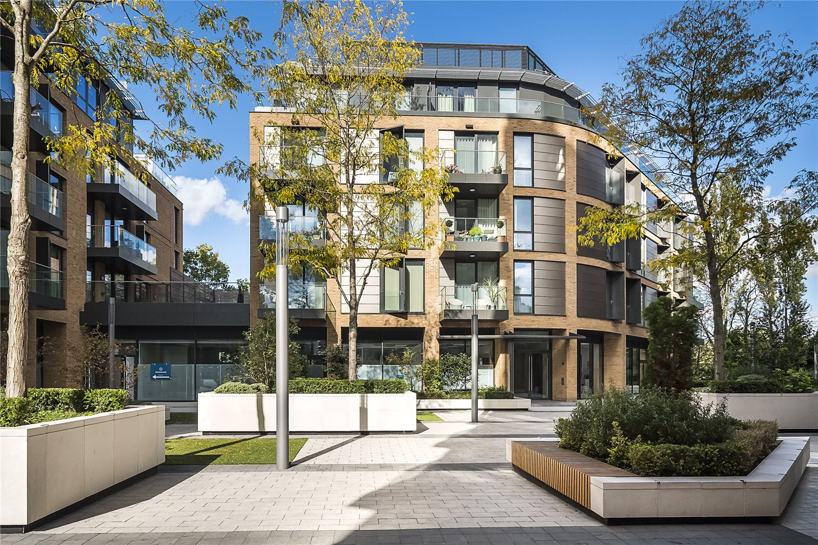 2 Bedroom Garden Flat London 2 Bedroom Flat For Sale In Millennium House 10 Plaza