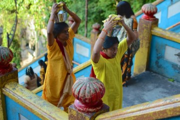 A World of Color: Malaysia in Gold