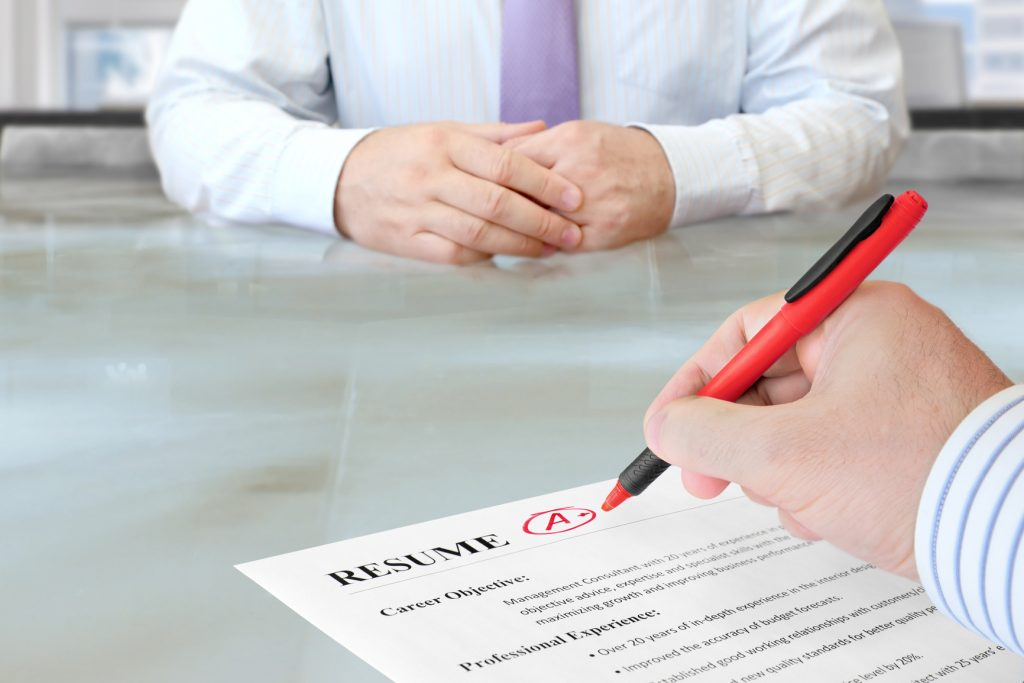 Do Professional Resume Writing Services Really Help You? - writing an attention grabbing career objective