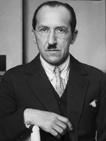 Piet Mondrian   10 Facts On The Famous Abstract Artist ...