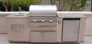 8' Outdoor Kitchen w/ Adjustable Legs